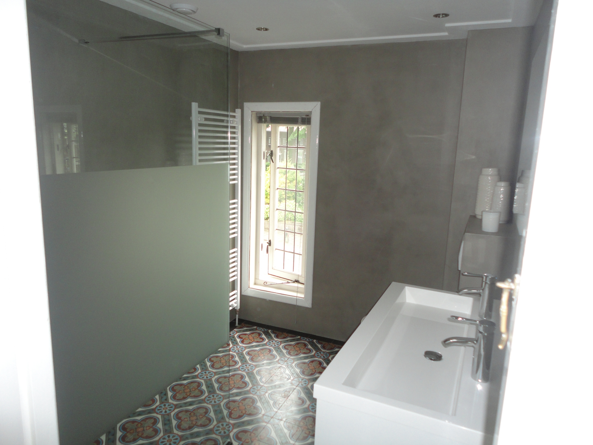 Badkamers door Timmer- en bouwbedrijf B.W. van Vliet en Zoon
